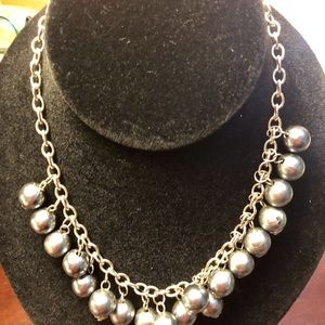 Jewelry - 16 inch Vintage Bead Necklace.